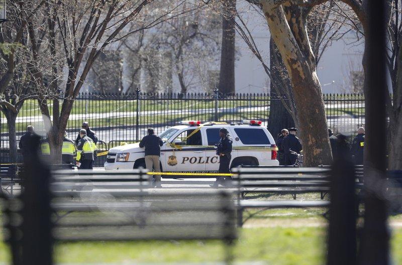 Man Fatally Shoots Himself Outside Of White House - US Secret Service