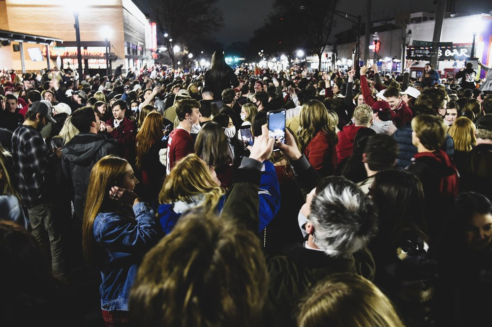 Alabama: This video of 1000s of students celebrating is