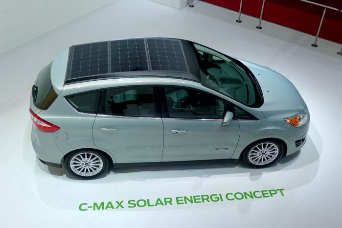 Ford C-Max med solceller i taget? Jep, og det giver nok energi til at bilen kan køre på den alene. Indtil videre et koncept, men interessant, hvad det måske kan blive til.