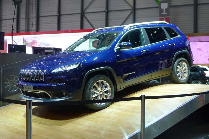 Jeep nøjes ikke med præsentationen af den nye kompakt-SUV Renegade, men lancerede også den helt nye Cherokee, der kan ventes lanceret i Danmark i løbet af sommeren.