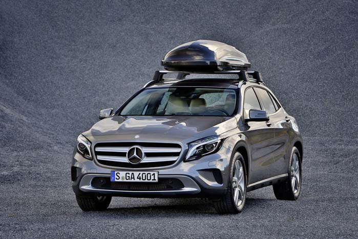 Tre af de syv varebilvarianter i den nye GLA-serie kommer først i løbet af maj.