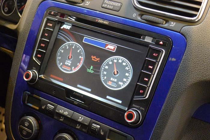 Enten der står VW Transporter, Touran, Caddy, Sharan, Amarok, Tiguan, Golf eller Scirocco på varebilen, kan det originale info-panel udskiftes med et Zenec-panel med touch-skærm, bakkamera, navigation, Bluetooth, USB ogf iPod-stik. Det samme gælder i mange tilfælde, hvis der på varebilen står Audi, Seat eller Skoda, men i alle tilfælde dersom den hedder Fiat Ducato, Mercedes Sprinter eller for den sags skyld Ford Focus eller S-Max.  Zenec-programmet spænder vidt og markedsføres i øvrigt i Danmark.
