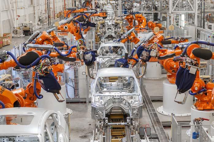 Spartanburg-fabrikken i South Carolina, USA, producerer i forvejen flere af BMW's X-modeller. Hver dag rulles 1.100 biler af samlebåndet.