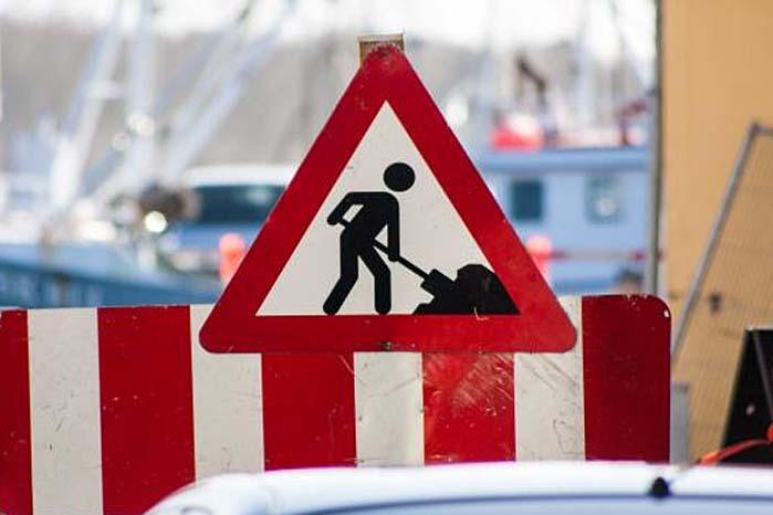 En fartgrænse på f.eks. 80 km/t er ikke et diskussionsoplæg, men et påbud, som det fremover straffes dobbelt så hårdt som hidtil for at ignorere.