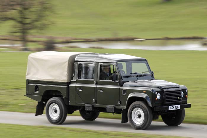 """Land Rover Defender 130""""."""