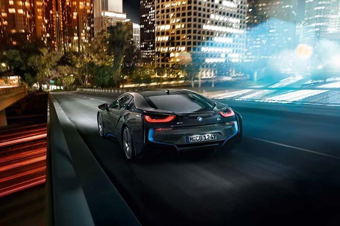 BMW baserede i8-modellens lygtesystem på Osrams LED- og laserteknologi.