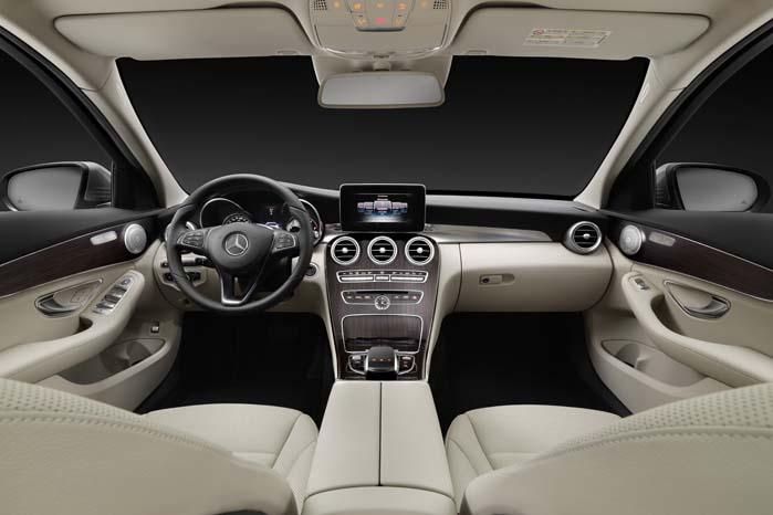 Luksus til arbejdet. Interiøret er bygget op omkring den lille knold af en touch-pad i armlænet, hvorfra alle funktioner styres med to fingerspidser