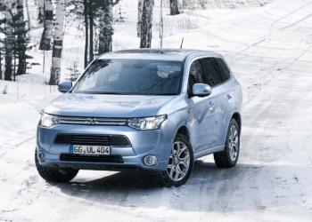 Mitsubishis plug-in hybrid-udgave af SUV-modellen Outlander har været gennem brutale tests i Canada og Rusland.