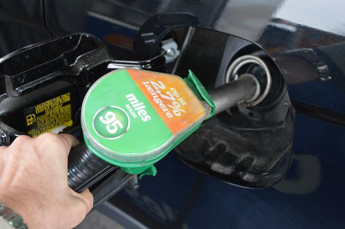 Med 2,7 procent flere km på literen svarer det til et prisfald på 32 øre per liter ved en literpris på 12 kroner