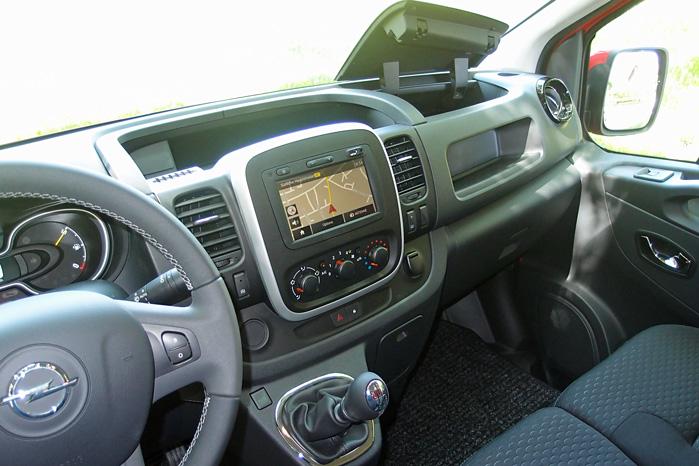 Touchskærm til Intellilink og rigelig opbevaringsplads kendertegner den nye kabine