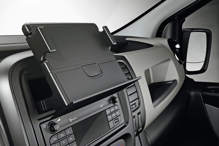 Det er godt nok Opels opfindelse, men Renault har taget den ultra-praktiske tablet-holder med i programmet