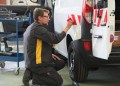 Renault Tech opererer som en integreret del på 12 af Renaults samlefabrikker. Her gælder det specialmodel nummer 500.000, der blev leveret fra fabrikken i Maubeuge.
