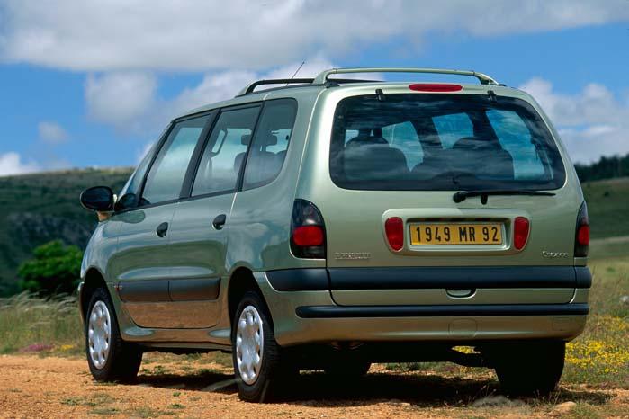 Renault Espace III - stadig med stor bagklap, som gav let adgang til bagagerummet.