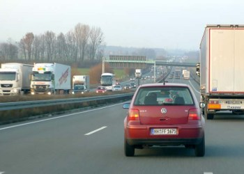 Den tyske transportministers forslag om afgift for udenlandske bilisters brug af autobahn-nettet kan få vidtrækkende konsekvenser.