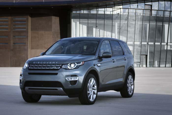 Robust og kompakt profileret, men stadig en 5-dørs SUV med de grundlæggende egenskaber, som Land Rover helt bevidst holder fast ved.