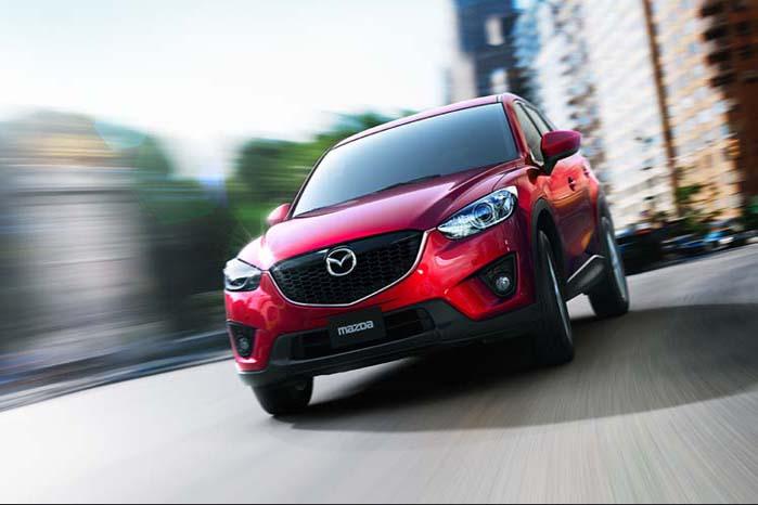 Mon ikke, Mazda CX-5 ville gøre sig godt i plastik. Noget tyder i hvert fald på, at pladesmeden er på vej mod en tilværelse som kunsthåndværker, hvis Mazda her viser os et billede af fremtiden