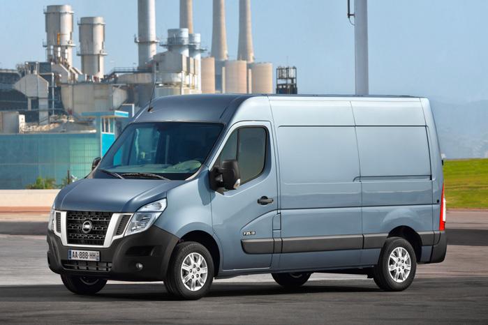 Nissan forsøger nu at bruge den store NV400 som lappeløsning, mens vi venter på afløseren til Primastar
