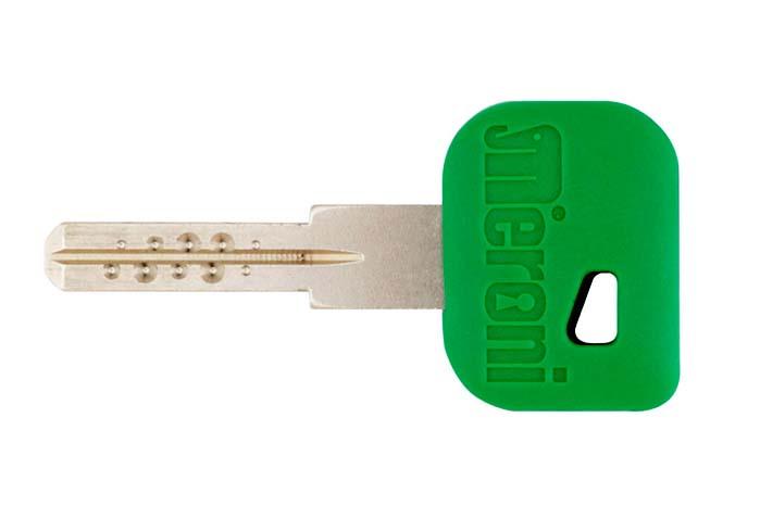 UFO-systemet kan betjenes med en enkelt nøgle uanset om der er en eller flere låse.
