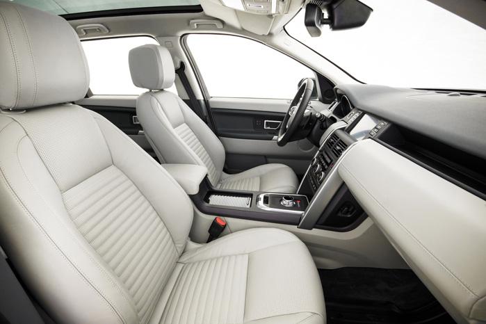 Der er langt og længe mellem de første Disco'er til den nye Sport med luksuriøst velpolstrede sæder og lækre materialer i kabinen