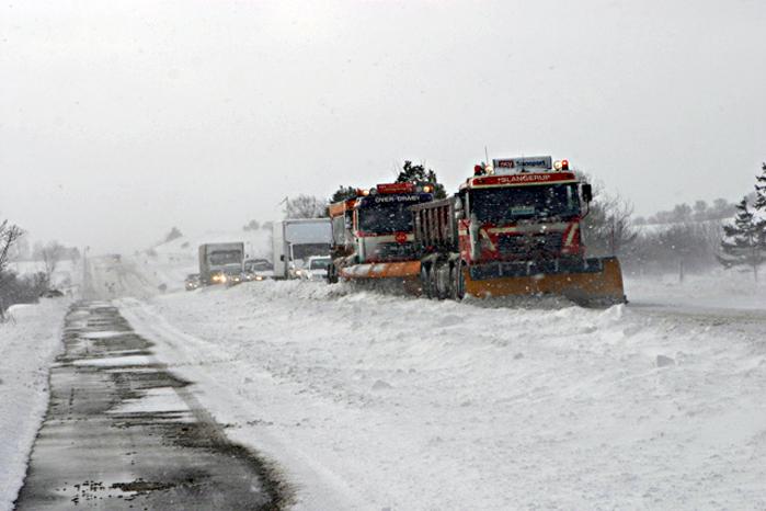 Selv de bedste vinterdæk skal kombineres med kørsel efter forholdene. I sjældne tilfælde betyder det 'bliv hjemme, hvis du kan'