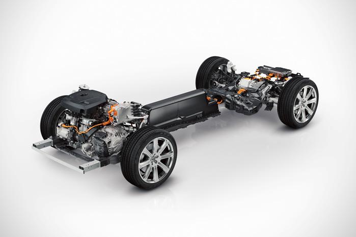 Den nye XC90 bliver første Volvo på den nye SPA-platform. Den er - som her - specielt udviklet til at befordre el- og hybriddrift med det tunge batteri bygget ind i kardan-tunnellen
