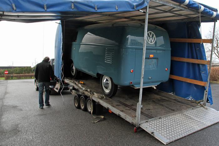 Så har Sofie berørt dansk asfalt for sidste gang. Nu hedder det udstilling og bærestol resten af livet