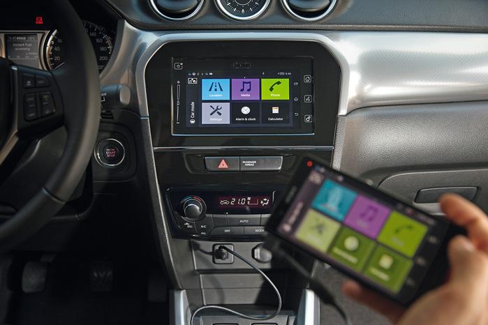 Infotainment med spejling af smarrtphone er nyt i Suzuki, og topmodellen Exclusive har desuden navigation indbygget
