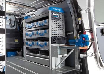 Med samarbejdet med Sortimo kan du nu få klargjort, folieret og indrettet din varebil hos RTT uden mellemstationer