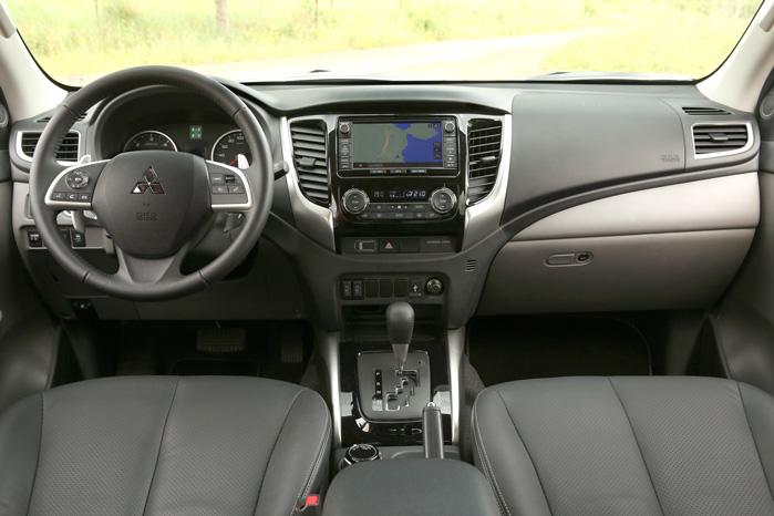 Bedre materialer og et mere SUVB-agtigt design gør L200 til et mere komfortabelt sted at opholde sig undervejs