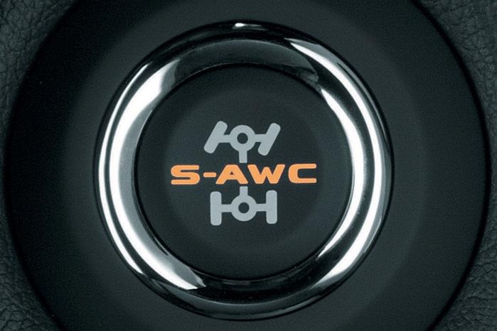 Outlander får det avancerede firehjulstræk, Super-All Wheel Control (S-AWC), som allerede er kendt og anerkendt i Mitsubishi Lancer Evo