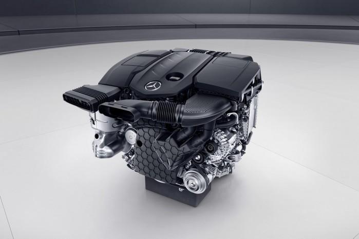 Mercedes nye motor hedder OM 654. Den er både lettere, stærkere og mere økonomisk.