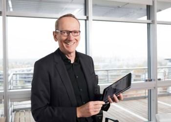 Opels CEO Karl Thomas neumann afviser, at Opel har brugt shut-off enheder for at snyde med emissioner