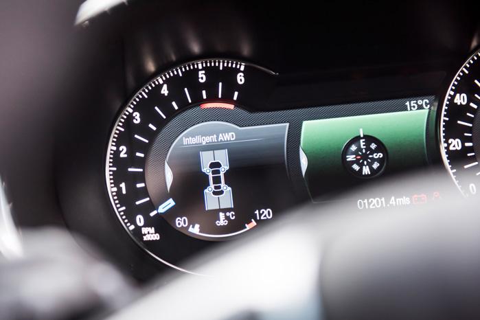 Intelligent AWD er godt og effektivt til hverdag, glat vej og mudrede skovveje