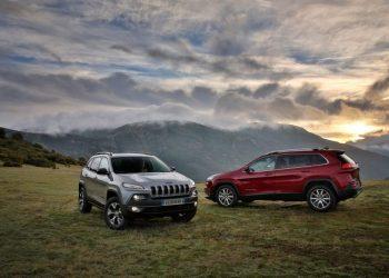 To amerikanske biltyve har haft adgang til særligt forhandler-software, som har gjort dem i stand til at stjæle op mod 100 biler.