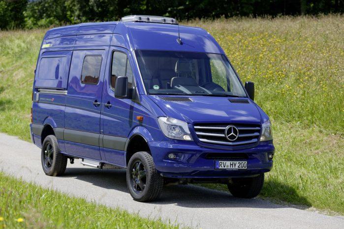 Hymercar og Mercedes har lavet et samarbejde om den store Sprinter, som både har god plads i sengen og sikkerhedsstystemet Crosswind Assist