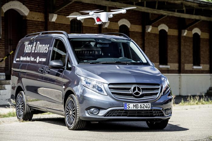 En drone ankommer med pakken uden om trafikproblemer, og modtageren sparer kostbar arbejdstid