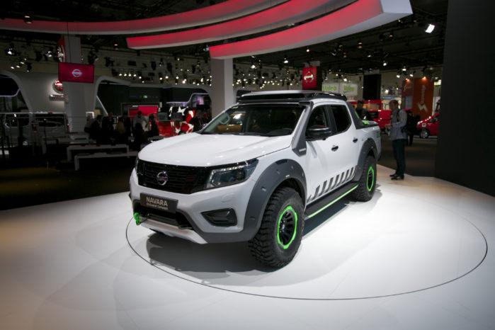 Nissan Navara ENGuard er den fede redningsbil. I ladet er der kraftige batterier, som kan bruges ved nødhjælpsarbejde.