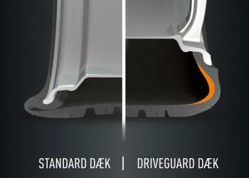 Den forstærkede sidevæg holde dæksiden intakt, mens traditionelle dæk hurtigt bliver mast af fælgen