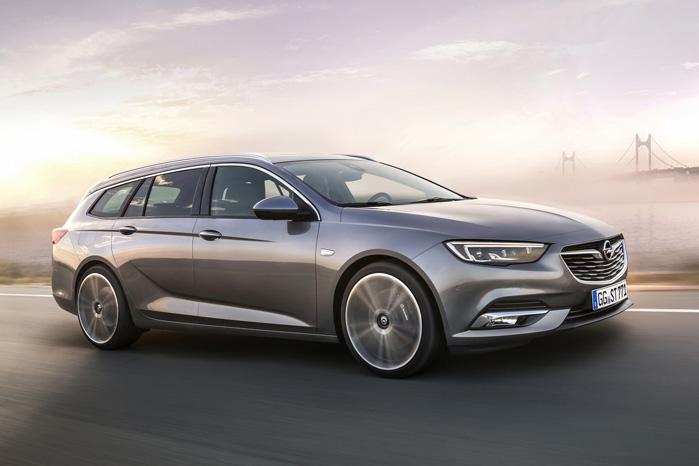 Større akselafstand og sporvidde kombineret med en lavere vægt og en væsentligt større kabine løfter arven i Opels flagskib