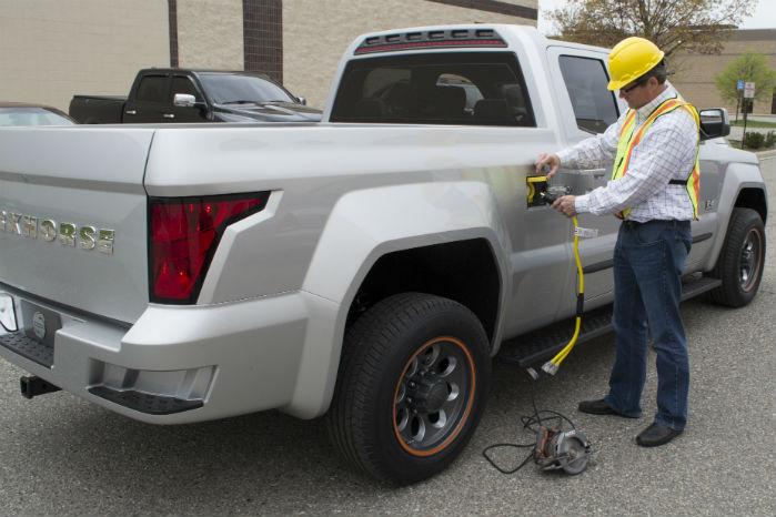 Batteriet leverer strøm til el-drevet værktøj