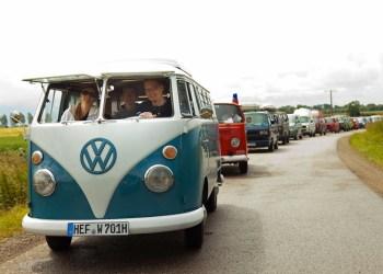 Sidste år var vejret ikke nær så godt som i år, og alligevel var der 300 deltagende rugbrød i karavanen rundt på Femern