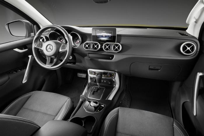 Interiøret er rendyrket Mercedes-style