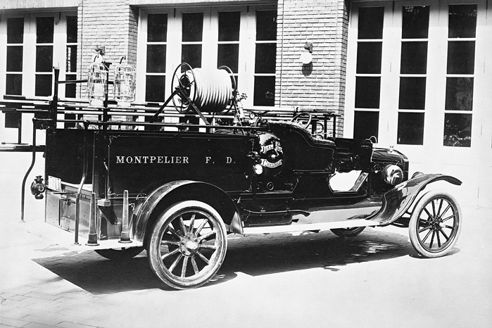 1919-Ford-Model-TT-one-ton-Fire-truck