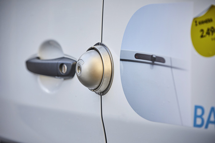 Ekstra sikring med låse er også med til at gøre jobbet surt for tyvene