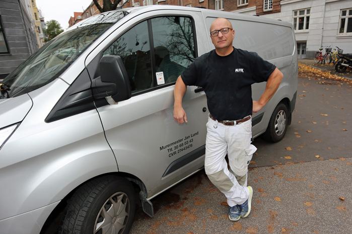 Murermester Jan Lund er godt træt af at bruge penge og tid på langfingrede tyveknægte