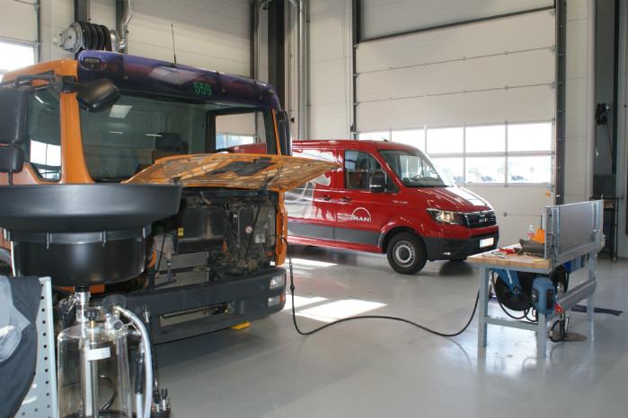 TGE'erne serviceres via galvportene sammen med de mindre lastbiler
