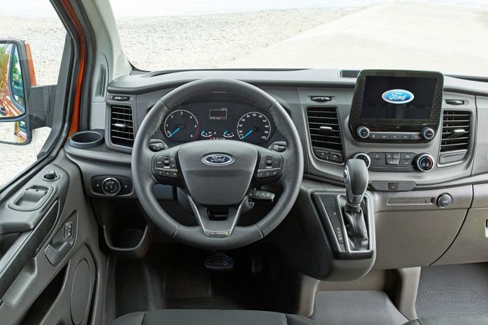 Ford går lidt væk fra det sporty Fiesta-look i instrumentbordet