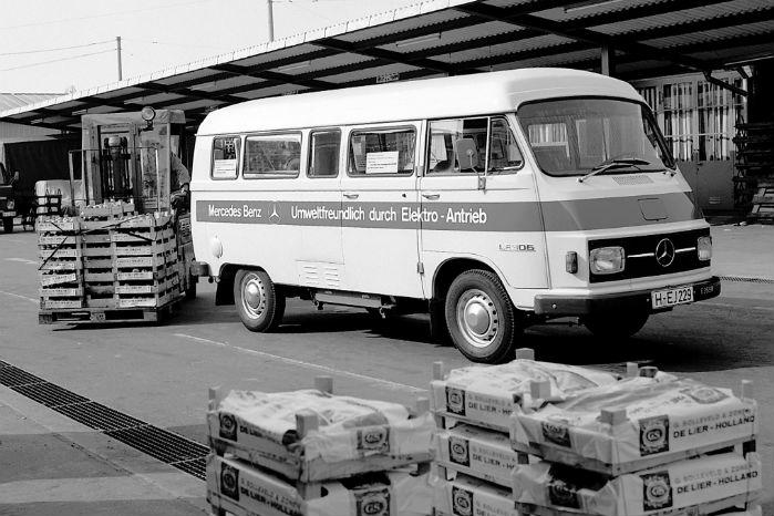 Mercedes LE 306 var en el-dreven varebil/minibus. Batteriet vejede 860 kg, og rækkevidden var mellem 50 og 100 km med op til 80 km/t