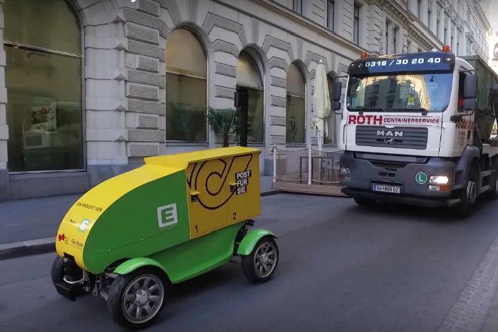 Jetflyer er en prototype, der i gå-tempo triller rundt i midten af den østrigske by Graz