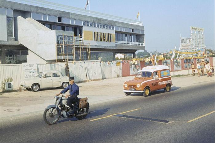 Renault 4 som F4 servicevogn. Foto: Renault Communication